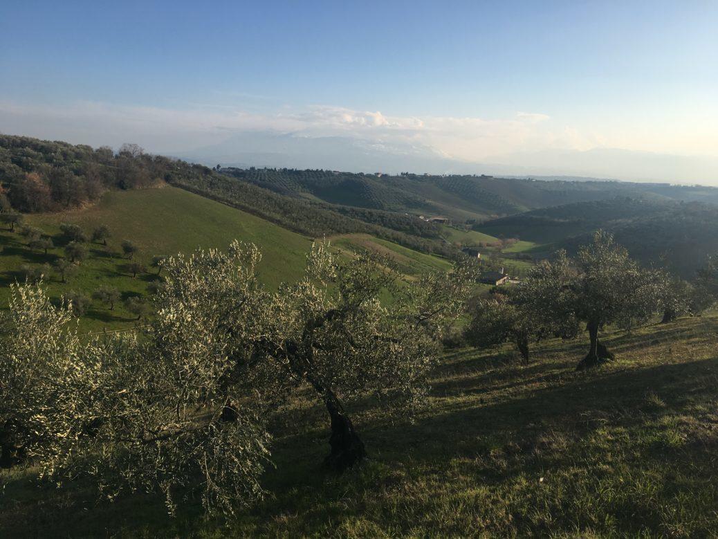 hills italy abruzzo